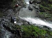 F6大滝(10m)をTRで登るtomoちゃん