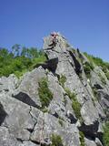 最終ピッチを登攀中の錦少年