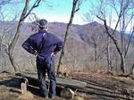 お坊山西峰から滝子山を望む